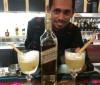 Gonzalo Hernandez junto a su coctel Marimba Sour (2)